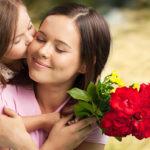 Contest: Nom the Mom 2015